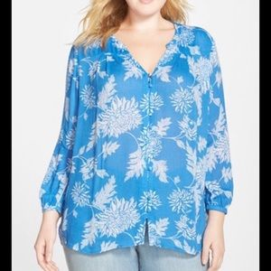 Lucky Brand blue floral blouse - Size Small